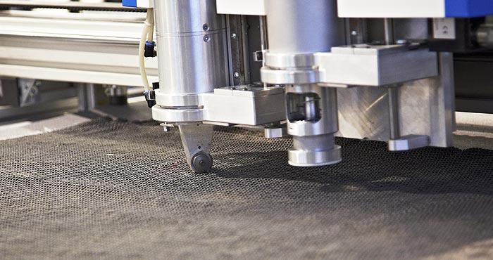 CNC Cutter beim Zuschnitt